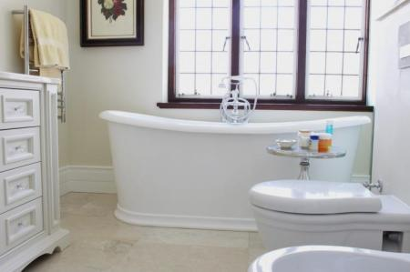 Bathrooms: Going Classic