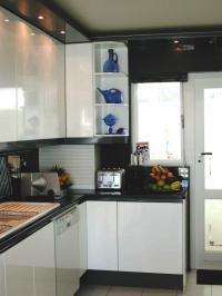 WhiteKitchens1